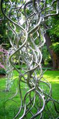 Rzeźby autorstwa Mirosława Struzika można podziwiać we wrocławskim Ogrodzie Botanicznym. Elektropolerowanie nadało im połysk trwały na lata.